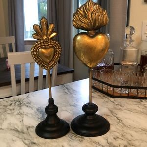 2 metal sacred heart decor